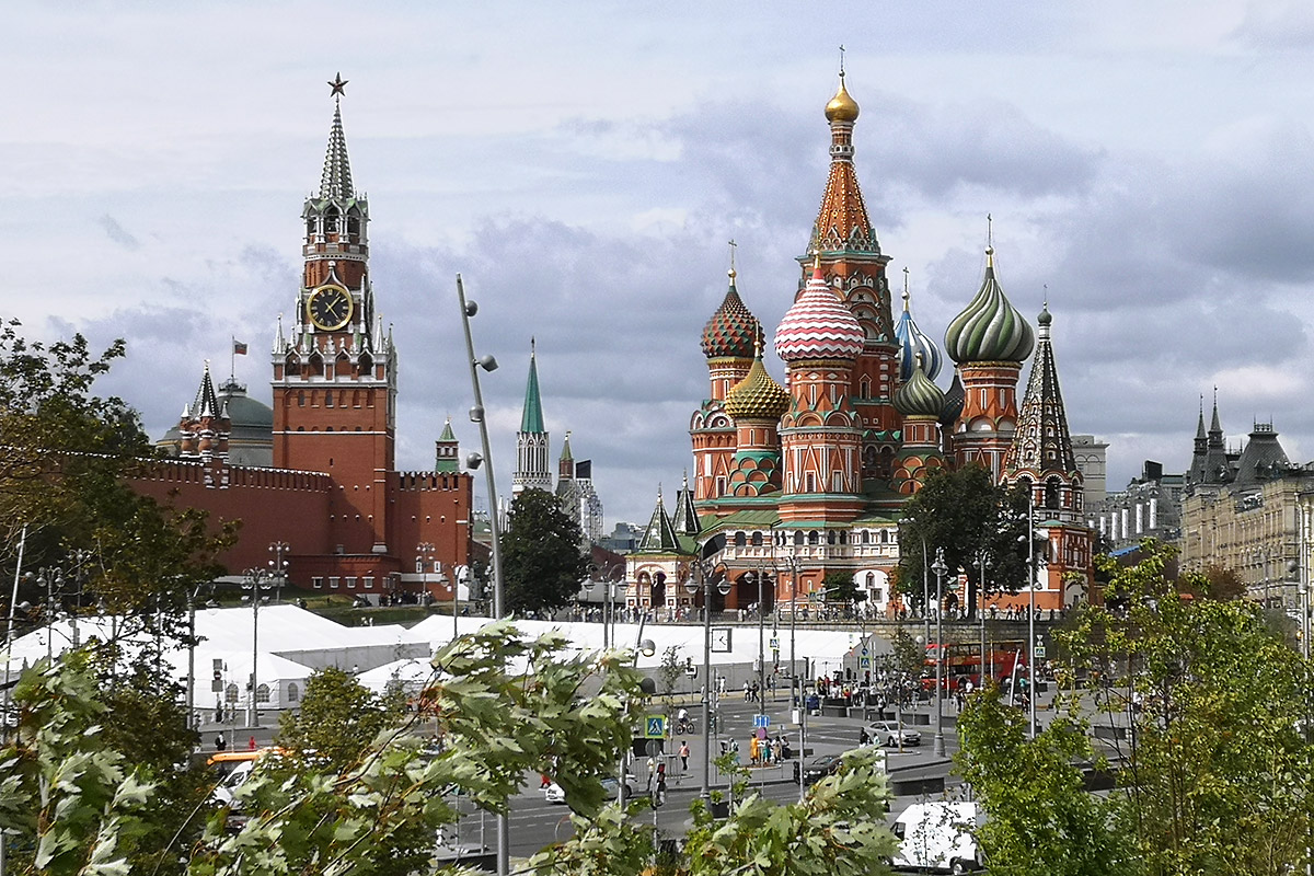 The Spasskaya tower and the Saint Basil's Cathedral